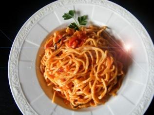 spaghetti mit tomatensugo
