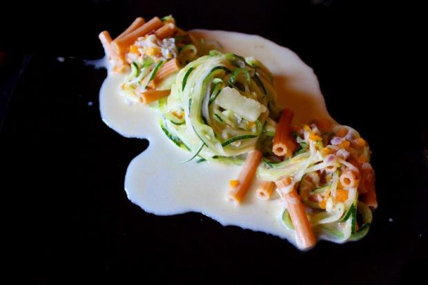 Zucchinispaghetti mit Gorgonzola-Kokosmilch 4